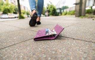 kobieta zgubiła portfel